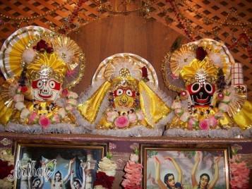 Наряды для Джаганнатхи, Баладевы и Субхадры
